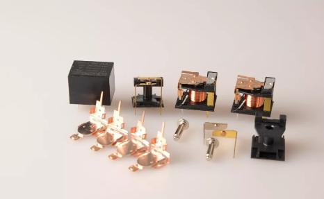 关于小功率继电器在工业控制系统中的作用有哪些