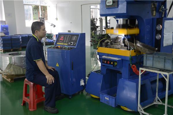 当别人还在选东莞电磁继电器厂家时,我们已经选中了元则继电器
